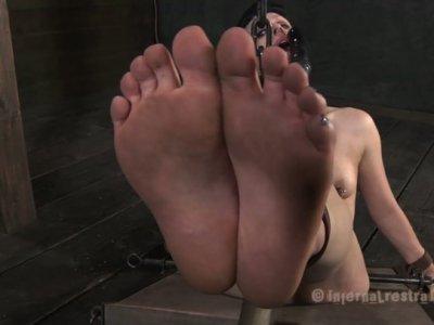 Fuckable slut Katharine Cane cannot stop spitting while blowjobing a dildo