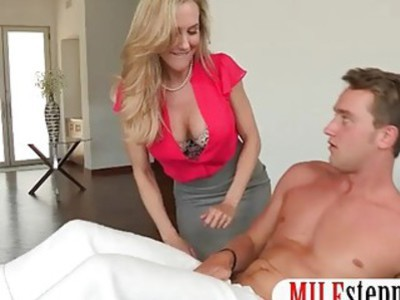 Teen and stepmom threesome session with BF on massage table