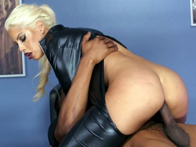 MILF Bridgette B anally rides the big black shaft