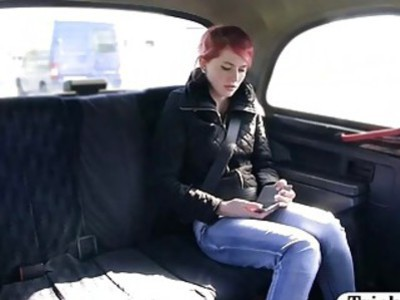 Small tits babe shows off ass and boned in the backseat
