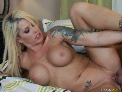 Tattooed girl Brooke Haven enjoys missonary style