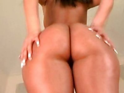 Lusty hottie boasts of her ass and bonks hard